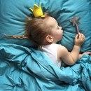 Девочка-звёздочка, маме — отрада, неоценимый подарок небес.