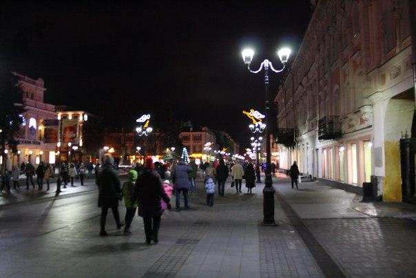 Театральная площадь и новые-старые фонари.  Январь 2018