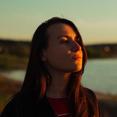 Лена Капинос