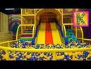Веселая крытая игровая площадка для детей. Развлечения для детей. Катя и беби бон в игровом центре.