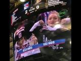 Белла и Джиджи на хоккейной игре «Нью-Йорк Рейнджерс» против «Анахайм Дакс», Нью-Йорк (19.12.17)