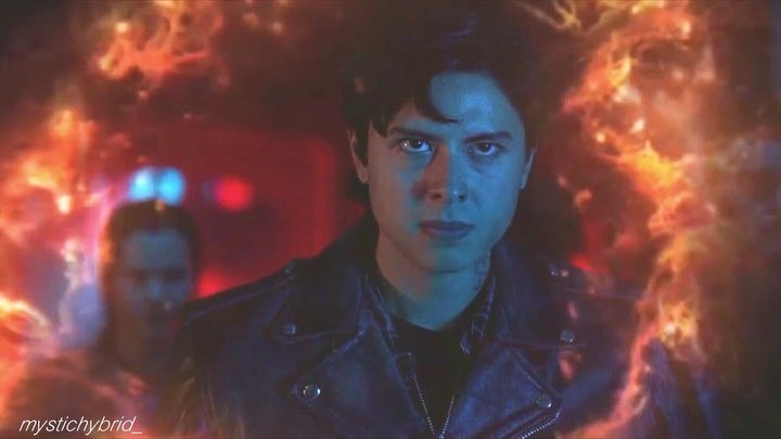 """MYSTICHYBRID on Instagram: """"I love angry pea 🤤 •ac;play with fire ( edited) •cc;mine •dt; @thejordanconnnor @swervemedolan"""""""