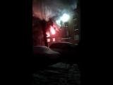 Горят квартиры после взрыва на ул. 5-я Кордная в Омске (12.01.2018)