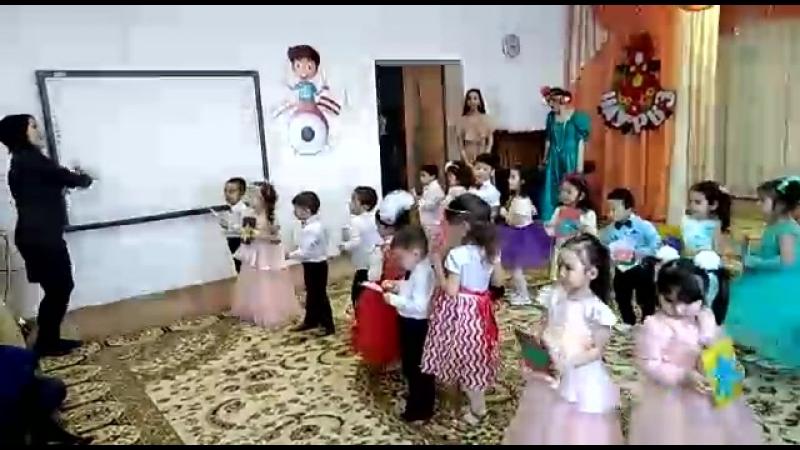 08.03.18 танец мама Нурай