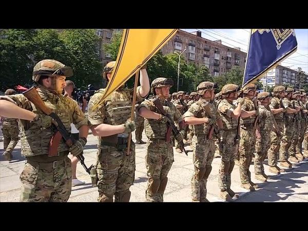 У день визволення Маріуполя пройшов військовий парад