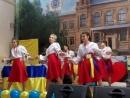 Виступ учениць групи 1 Кс на заході Я люблю Україну