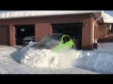 Как правильно выезжать зимой из гаража на Subaru