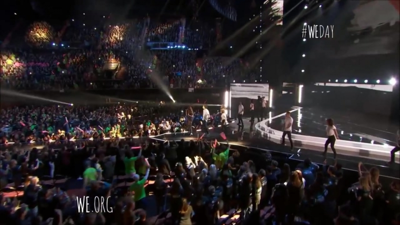 Selena_Gomez_Performs__Kill_Em_With_Kindness__At_We_Day_California_4_7_2016__HD_.mp4