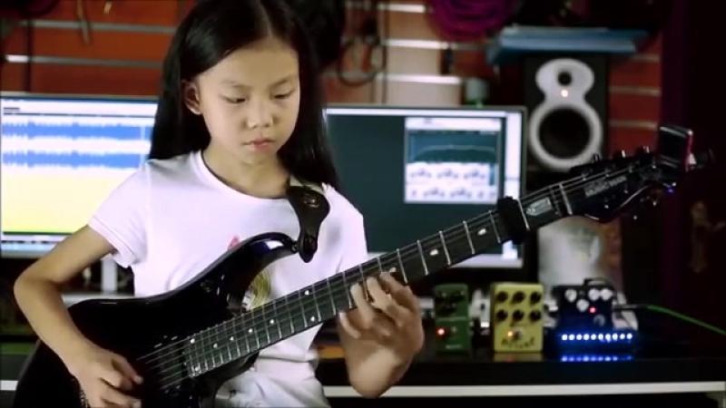 CHINA GIRL Liu Pinxi aka Yoyo Plays Mindblowing Guitar Ages 8 -10