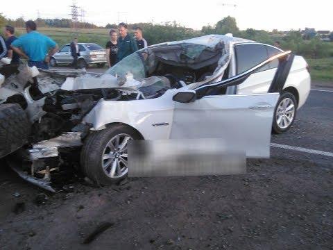 BMW протаранила и перевернулся на бок «КАМАЗ»