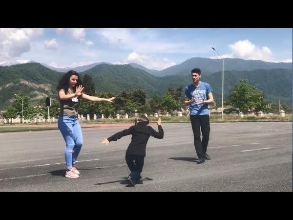 Парни и Малыш Танцуют Красиво С Девушкой На Кавказе 2018 Lezginka ALISHKA SEVCAN ELCHIN UMID