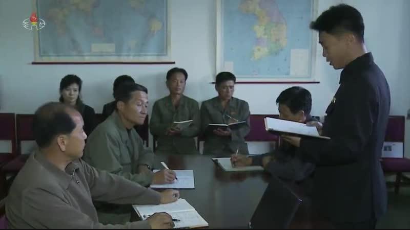 초소로 이어진 비단실 -3대혁명붉은기 성천제사공장 후방가족들-