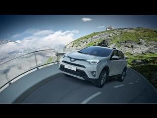 Системы RCTA и BSM в Toyota RAV4