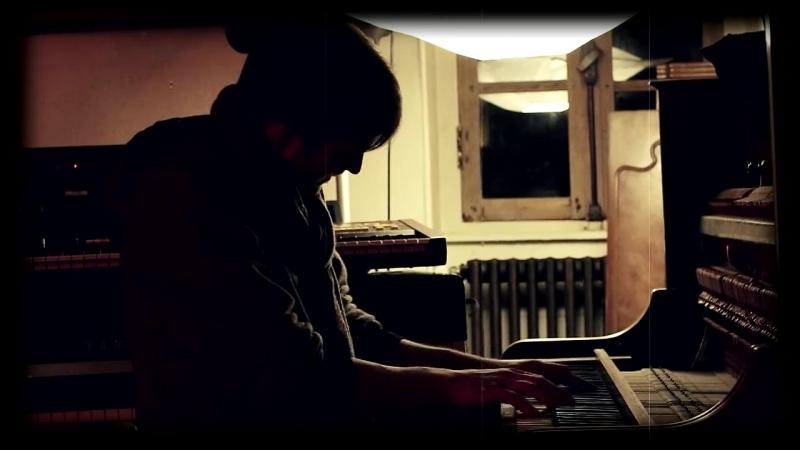 NILS FRAHM - Improvisation (live acoustic session)
