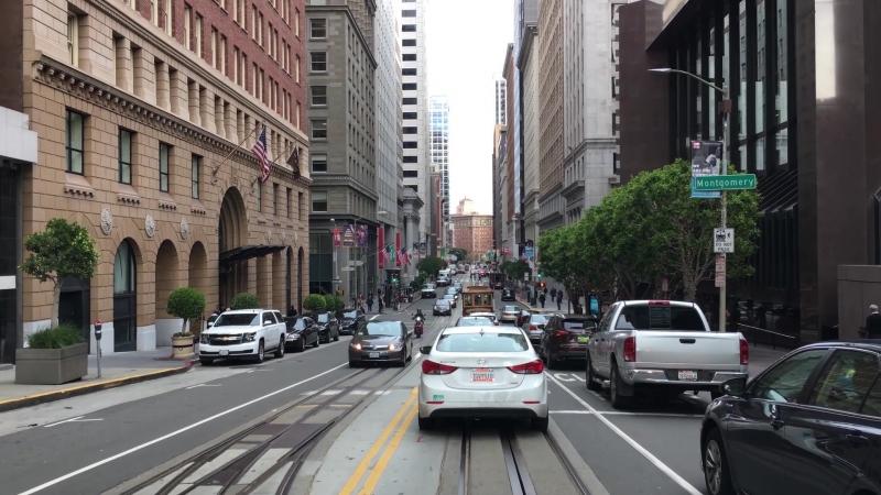 Холмы Сан-Франциско, знаменитая California St. на которой снимали погони для многих Голливудских фильмов. Meizu 15 - видеорегист