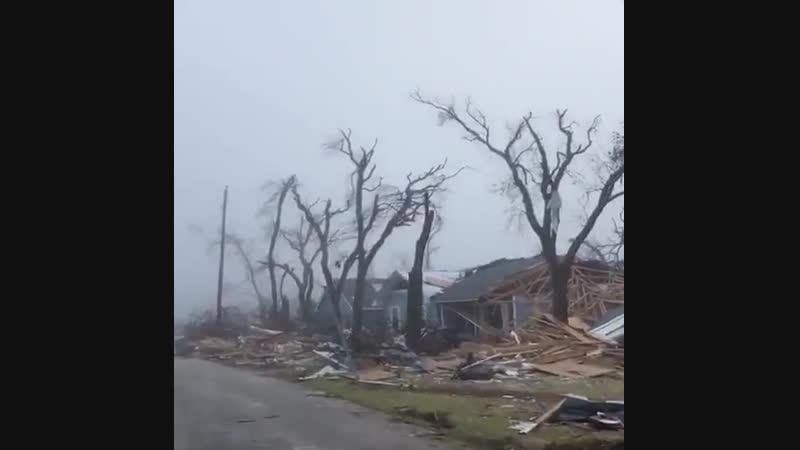 Разрушения в Мехико-Бич, США после урагана Майкл. Как после войны... (17.10.2018).
