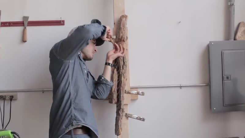 Резчик Alec LaCasse вырезает лицо из дерева за 10 мин