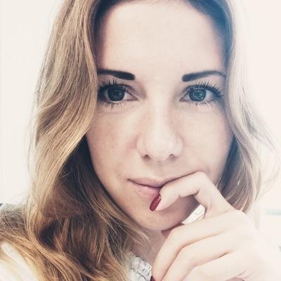Анна Сокол