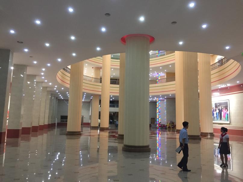 Холл Дворца Пионеров