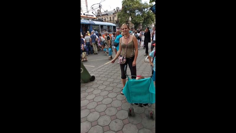 Одесса Привоз танцы на остановке 28 трамвая