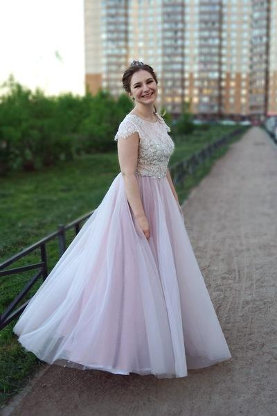 Елена Лучина