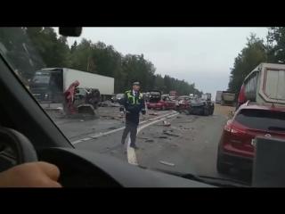 Страшная массовая авария на Минском шоссе. Mitsubishi ASX разорвало на части. Range Rover всмятку
