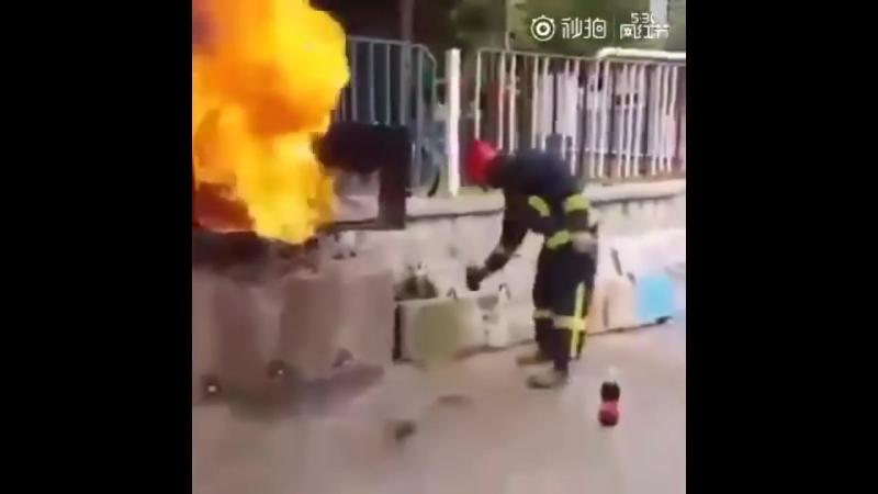 Как Coca Cola Тушит Огонь!