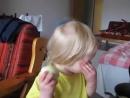 Děti jsou paličatý už od malička !! Mami můžu sníst to jablko