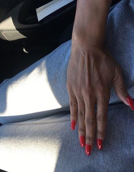 40-летняя джания уокер из лос-анджелеса отдыхала на острове роатан, гондурас, когда во время посещения приюта для животных пума оттяпала ей часть пальца. местные хирурги сказали джании, что ей