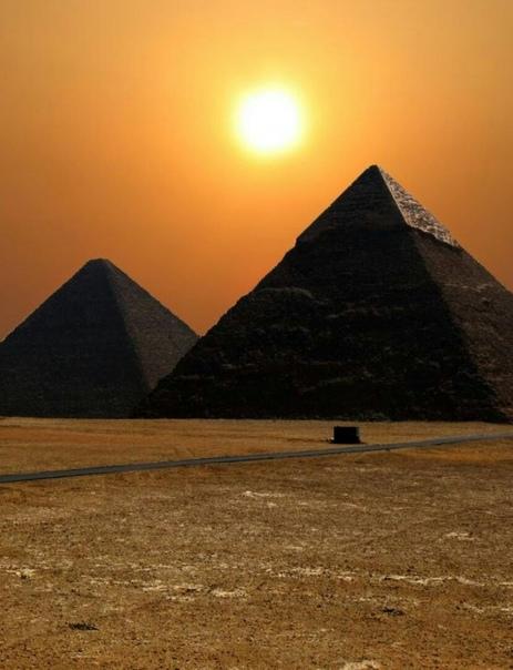 Землю опоясывают сотни пирамид. Зачем Ученые предполагают: пирамиды — это астрономические инструменты, а отнюдь не культовые сооружения ТАЙНА ГУИМАРА Следы древних цивилизаций на Канарских
