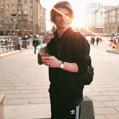 Лёша Суворов, Москва