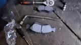 Замена передних тормозных колодок OPEL VECTRA B