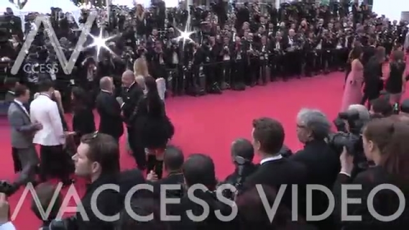 Romee Strijd and Fawaz Gruosi on the red carpet for the Premiere of Everybody Knows ( 360 X 640 ).mp4