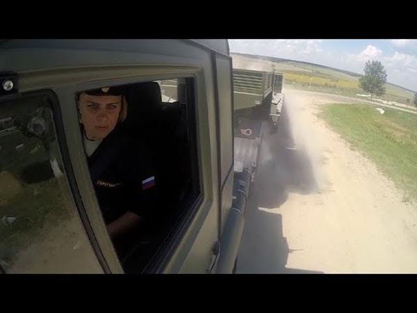 Россиянки на КаМАЗах штурмуют сложнейшую трассу: кадры с АрМИ 2018