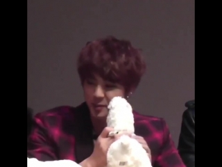 Bringing back this video of seokjinnie nuzzling his face in the plushie and then getting scared by the bubbles🥺