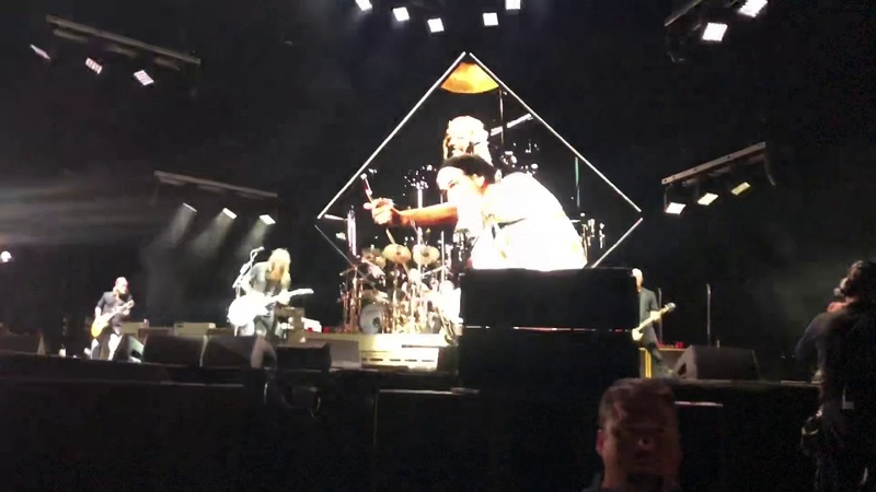 """Foo Fighters with Krist Novoselic cover Vaselines' """"Molly's Lips,"""" full video"""