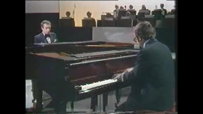 Victor Borge - Tchaikovsky Concerto No. 1 piano.