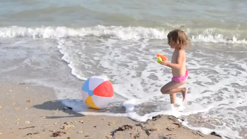 Развлечения у моря. Водная Битва. Games for kids by the sea. Funny Video. Songs Kids