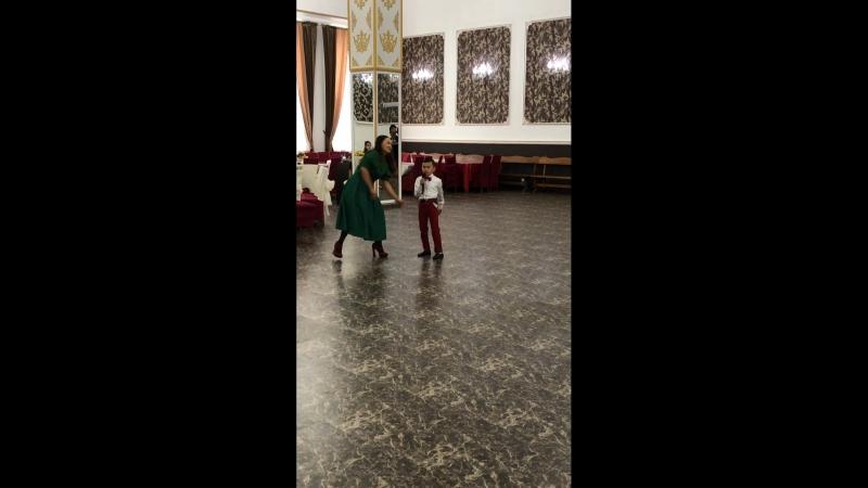 Астананын жериндеги, Сары Арканын ториндеги тойдагы ан шашу