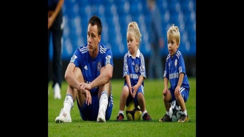 Легенда Челсі грає в футбол зі своїми дітьми