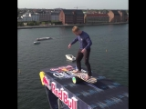 Red Bull Cliff Diving - Balance Board