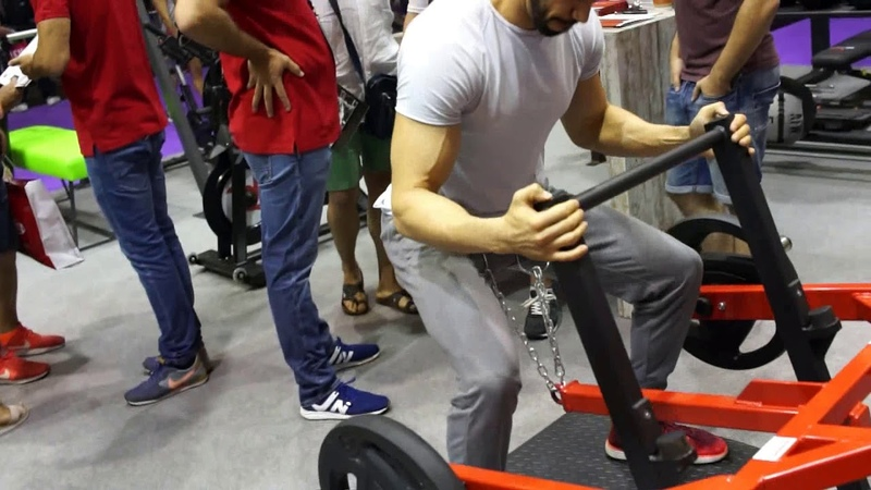Micheal Gundill analyse une belt squat du 3ème type