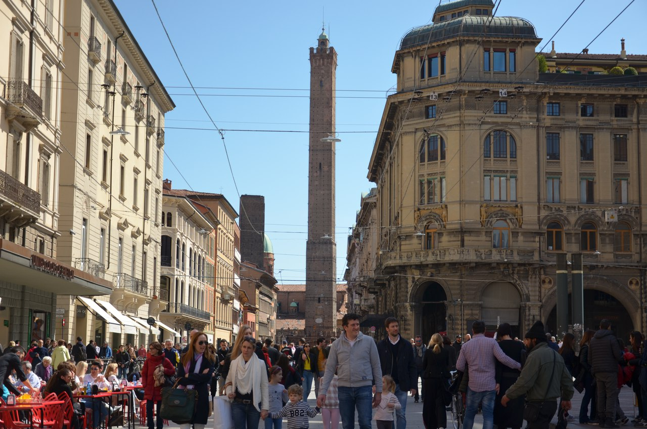 yRNvPemaaU0 Болонья -«кулинарная столица» Италии.