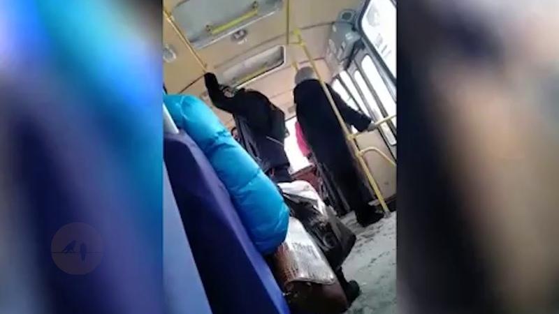 В Красноярске кондуктор выгоняет детей из автобуса из-за отсутствия сдачи