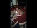 Айару менiн нағашымнын қызы ажесінін оленіне билеп отыр