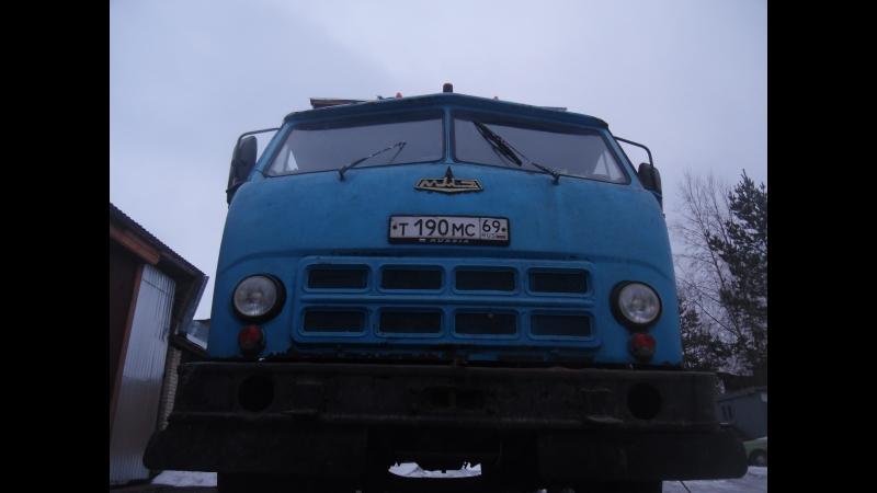Старый военный МАЗ под толщиномером.