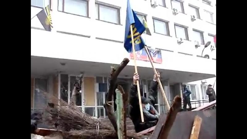 13 04 2014 Мариуполь укрепление баррикад