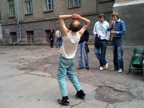 Алкаши снова в танце!Всем смотреть!)