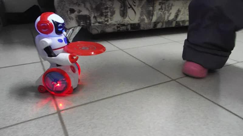 Робот-официант.