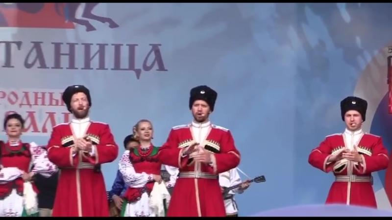 Les cosaques de Poutine - Vous avez peur, mais n'ayez pas peur de moi ! Je ne vais pas vous toucher, ne vous inquiétez pas !